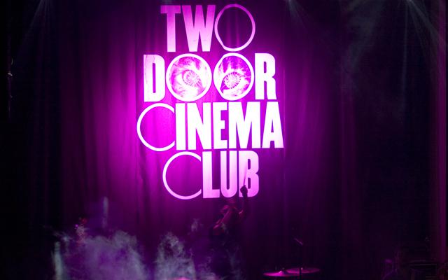 Two Door Cinema Club @ TMN ao vivo