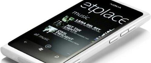 Nokia Lumia 800 já está disponível em branco