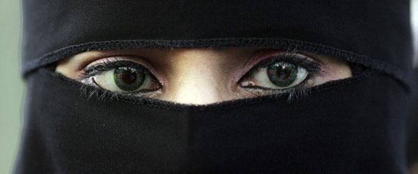 """""""Mulheres Afegãs – Histórias Por Detrás da Burka"""""""