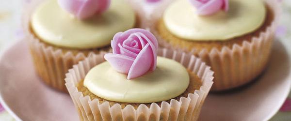 """Cupcakes""   Susannah Blake"