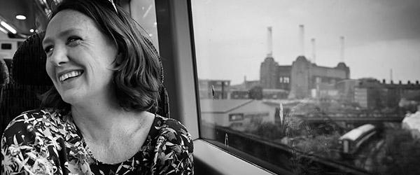 """""""A Rapariga no Comboio"""" de Paula Hawkins"""