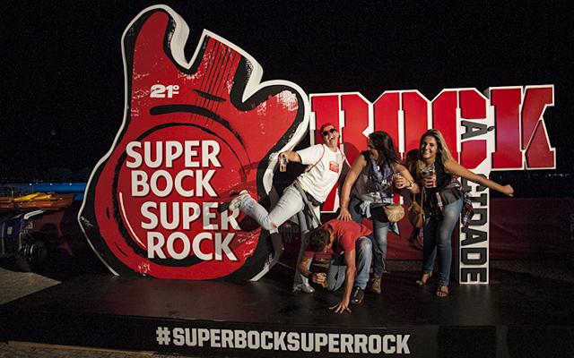 DJ Shadow, Bomba Estéreo e DJ Ride no Super Bock Super Rock 2016
