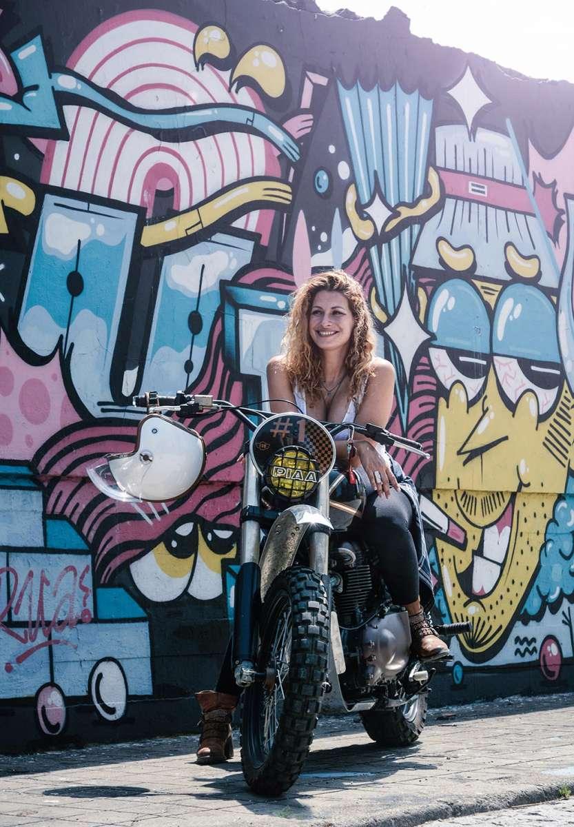 Maria Duarte, Triumph by Ton Up Garage foto de Ana Pina
