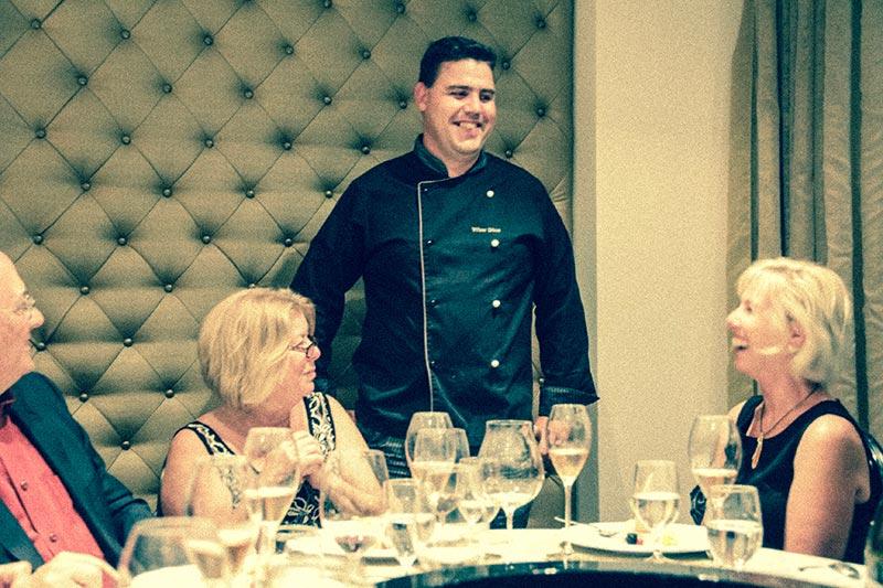 chef Vitor Dias restaurante Arcada
