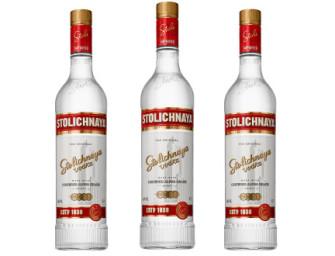 STOLI® lança nova garrafa e sugere cocktails refrescantes