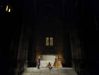 """""""REI JOÃO"""", de William Shakespeare nas ruínas do Convento do Carmo"""